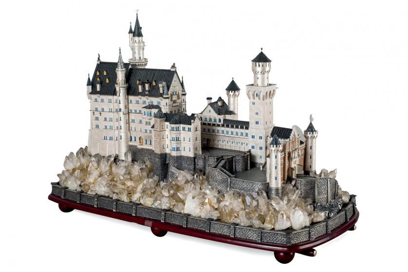Castillo de Neuschwanstein en plata y esmalte